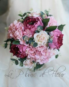 Garden wedding bouquet. Peony, hydrangea and roses. Shabby chic wedding bouquet for Bride or Bridesmaid.