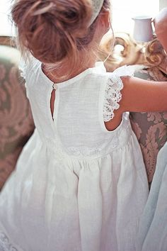 I absolutely love this for a flower girl dress. It would have a mint/seafoam green empire belt and a headband with a flower of he same color. White Flower girl dress Vintage style linen by Vintage Flower Girls, White Flower Girl Dresses, Little Girl Dresses, Girls Dresses, Vintage Kids, Vintage Linen, Lace Dresses, Dress Lace, Fashion Kids