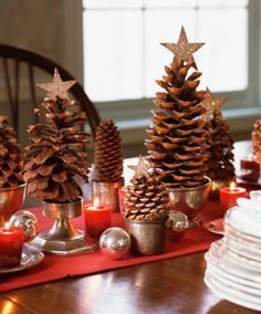 Traditional Collection Vintage Christmas idea: Astonishing Rustic Christmas Table Setting Pine Cones In Small Pots With Gold Star Top Red Table Cloth Votive Candles Small Silver Balls Decoration Pine Cone Christmas Tree, Noel Christmas, Country Christmas, Simple Christmas, Christmas Crafts, Xmas Trees, Modern Christmas, Beautiful Christmas, Homemade Christmas