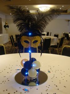 prom ideas-white and black only... Minus the weird blue lights! Centerpiece?
