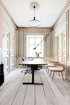 An stunning stylish office space: The Danish Fashion and Textile Association Office
