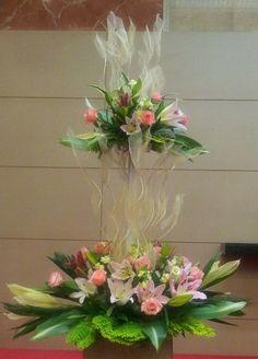 Flower centerpiece Contemporary Flower Arrangements, Silk Flower Arrangements, F… – Modern