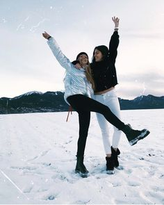 ✨🎅Cool Funny Unique Christmas Experiences Gift Ideas for Adults & Couples? ✨🎅Cool Funny Unique Christmas Experiences Gift Ideas for Adults & Couples? Snow Pictures, Bff Pictures, Best Friend Pictures, Friend Photos, Mode Au Ski, Shooting Photo Amis, Photos Bff, Shotting Photo, Winter Instagram