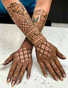 Latest Amazing Mehndi Designs For Parties Hello Guys! here you will see Latest Mehndi Designs with Amazing Patterns for your Hands and. Henna Hand Designs, Mehndi Designs Finger, Indian Henna Designs, Mehndi Designs For Girls, Simple Arabic Mehndi Designs, Mehndi Design Pictures, Beautiful Henna Designs, Mehndi Images, Simple Henna