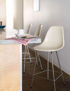 Tabourets de comptoir Eiffel, moderne et confortable à la fois!