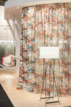 Selva fabric: Equipo DRT - Julieta XLF http://www.equipo-drt.es/library/selva-multicolor-julieta-xlf-grafitti.html