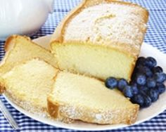 This classic pound cake is delicious eaten plain with a cup of coffee or tea—and it's also a great basic recipe that you can use as a starting point for any flavor variations that you can dream up. Sweet Recipes, Cake Recipes, Vegan Recipes, Dessert Recipes, Cooking Recipes, Bon Dessert, Food Cakes, Cupcake Cakes, Cupcakes