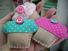 may 2010 freebie :: brooches by paper-and-string-on-flickr, via Flickr