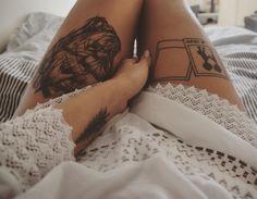 #tattoo #tattoedgirl #tattooedlegs #wolftattoo #wolfdogtattoo #meetingpeopleiseasy #radiohead #radioheadtattoo #okcomputer