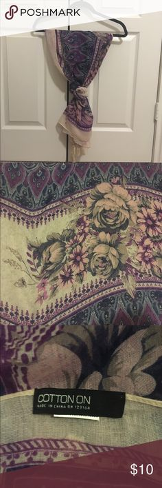 Floral Scarf A floral lightweight scarf that would be amazing for on the go! Wrap this lovely scarf on the handle of your bag and make it a statement piece or rock this scarf in a romantic look! Cotton On Accessories Scarves & Wraps