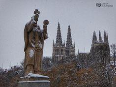 Estatua del Puente de San Pablo de Burgos Medieval, San Pablo, Statue Of Liberty, Greek, Travel, Monuments, Museums, Saint Nicholas, 16th Century