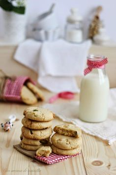 Cookies con chocolate blanco y pistachos