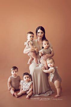 Brisbane Newborn Baby Photographer - Australian Family Photographer of the Year 2014, QLD Professional Photographer of the Year 2013 & 2014. Brisbane Newborn Baby Photography