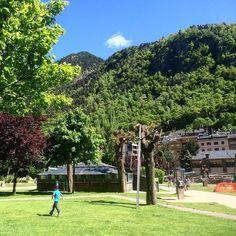 Un rincón de Andorra la Vella donde el verde está presente por todos los lados... El paraíso para los amantes de la naturaleza  #tbmandorra