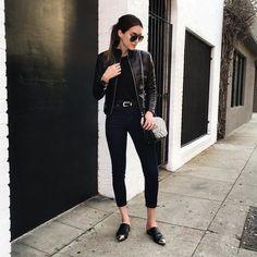 Look todo preto com calça e mule Look Fashion, Korean Fashion, Fashion Outfits, Womens Fashion, Style Noir, All Black Looks, All Black Outfit, Street Style, Asos