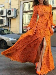 Choies Limited Edition Clockwork Orange Star Print Slit Maxi Dress---Hello minus the split in the front or to the knees 70s Fashion, Love Fashion, Fashion Models, Womens Fashion, Dress Fashion, African Fashion, Maxi Dress With Slit, Dress Skirt, Dress Up