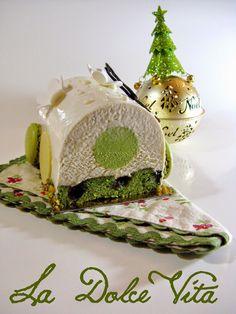 Cette année je disais un peu autour de moi que certains de mes ami(e)s m'avaient demandés si je pouvais leur faire une bûche pour Noël,...