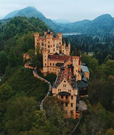 10 Best Places to Visit in Germany - Beautiful Castles, Beautiful Buildings, Beautiful Places, Best Places To Travel, Cool Places To Visit, Castles To Visit, Neuschwanstein Castle, Medieval Castle, Travel Destinations