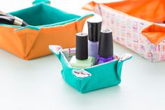 Use this tutorial to make fabric nesting baskets.