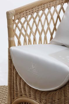 VEGA Detail: Bridge Armchair by Samuele Mazza Outdoor Collection. Luxury outdoor chair with frame in natural rattan and wicker weave with a distinctive diamond pattern in the upper part, entirely handmade, produced and distributed by DFN Srl. Suitable for garden, pool, wellness area, spa, patio, terrace, veranda, balcony, sundeck, courtyard, porch, lanai, boat, yacht and ship.