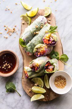 healthy snacks - Recipe Box Shrimp and Mango Summer Rolls Healthy Snacks, Healthy Eating, Healthy Recipes, Detox Recipes, Juicer Recipes, Dumplings Receta, Seafood Recipes, Cooking Recipes, Summer Rolls