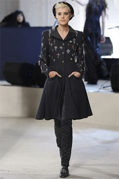 Chanel Pre-Fall 2008 Fashion Show - Iekeliene Stange