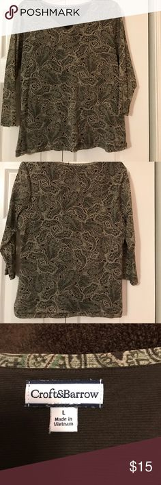 Croft & Barrow Fall top 3/4 sleeved This Croft & Barrow 3/4 sleeved top is green and brown paisley. With brown lining. Dress it up or wear with jeans. Size large. Croft & Barrow Tops
