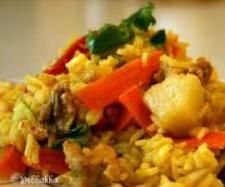 Recipe Pineapple and Coconut ( Varoma) Fried Rice by CathyM, learn to make this recipe easily in your kitchen machine and discover other Thermomix recipes in Pasta & rice dishes. Rice Dishes, Food Dishes, Main Dishes, Pineapple Fried Rice, Pineapple Chicken, Coconut Milk Curry, Coconut Rice, Brown Rice Recipes, Rice Ingredients