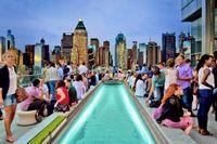 Serata in lounge bar sul tetto di New York