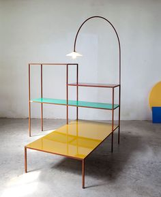 Le mobilier double emploi    Ensemble Writing desk + low table, Muller Van Severen