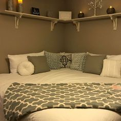 15 Bedroom Ideas For Small Rooms 2019 Corner Bed Design Pictures Remodel Decor and Ideas. I think i like this idea for a child's room. The post 15 Bedroom Ideas For Small Rooms 2019 appeared first on Bedroom ideas. Girl Bedroom Decor, Bedroom Decor, Small Room Bedroom, Apartment Decor, Room Ideas Bedroom, Home, Bedroom Design, Bedroom Layouts, Home Decor