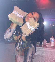 Mo Money, How To Get Money, Money Girl, Thug Girl, Money On My Mind, Money Pictures, Manicure Y Pedicure, Rich Lifestyle, Pretty Black Girls