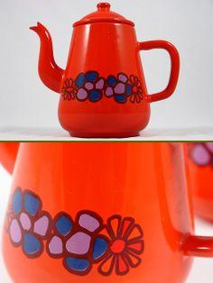 Vintage enamel tea/coffee pot.