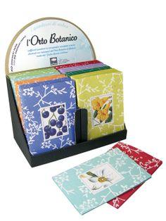 Σημειωματάρια Orto Botanico. Κατασκευασμένα από 100% ανακυκλωμένο χρωματιστό χαρτί σε 8 σχέδια με λεπτομέρειες από το Βοτανικό Κατάλογο που φυλάσσεται στους βοτανικούς κήπους της Πάδοβα.