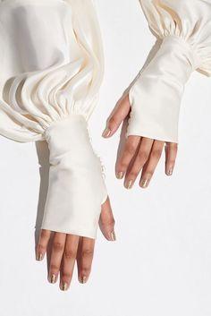 Abaya Fashion, Muslim Fashion, Modest Fashion, Fashion Dresses, Iranian Women Fashion, Trendy Fashion, Sleeves Designs For Dresses, Sleeve Designs, Blouse Designs