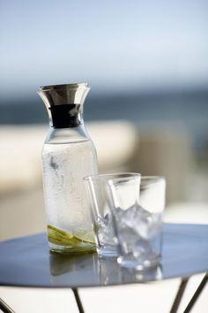 Fridge Carafe - Click Image to Close Danish Design, Coffee Maker, Kitchen Appliances, Vase, Tableware, Instagram Posts, Fitness, Contouring, Carafe
