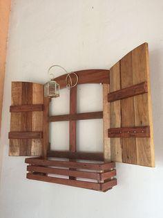 Discover thousands of images about Reciclagem de caixas de motos suzuki Diy Pallet Projects, Wood Projects, Woodworking Projects, Wall Decor Design, Diy Wall, Wall Décor, Pallet Furniture, Living Room Designs, Wood Crafts
