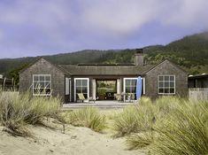 Resultado de imagem para beach house architecture