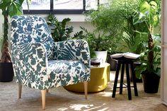Une touche fleurie dans le salon avec ce fauteuil.