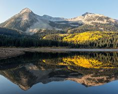 Autumn sunrise on Lost Lake in the West Elk Wilderness near Crested Butte, Colorado. The peak is East Beckwith Mountain (12,432 ft / 3789 m).