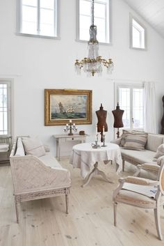 like how this isn\u0027t so cluttered like other shabby chic style rooms & 102 best Swedish Gustavian Style Furniture images on Pinterest ...