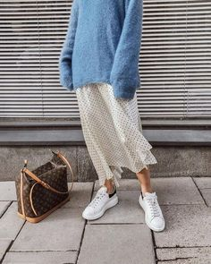 long skirt outfits for winter: blue sweater + dots skirt #streetstyle #streetwear #streetfashion #fashionstyle #stylish #style #closet #closetgoals