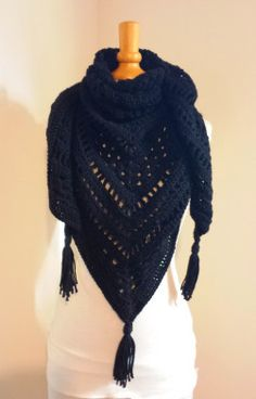 Crochet Afghans 48444 TUTO: The Gipsy Shawl! Crochet Afghans, Poncho Crochet, Bonnet Crochet, Crochet Diy, Crochet Baby Shoes, Afghan Crochet Patterns, Scarf Patterns, Crochet Scarf For Beginners, Boho Mode