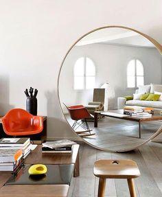 Un grand miroir XXL pour agrandir le salon - Expolore the best and the special ideas about Home interior design