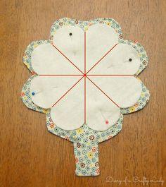 Diary of a Crafty Lady: Fold-up Fabric Needle Holder