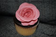 Beautiful rose cupcake! #cupcakes #baking