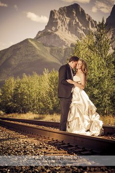 SilverTip Golf Course in Canmore The Canadian Rockies Wedding Photographer GW Photography | Expert Wedding Photographers in Calgary | Destination Photographer | Geoff Wilkings Photography