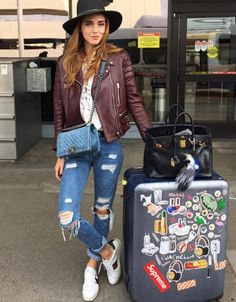 Chic Travel-Outfit Ideas to Try This Season - Gucci Sneakers - Ideas of Gucci Sneakers - Chiara Ferragni wears a lace-up top leather jacket boyfriend jeans Gucci sneakers a fedora and Chanel bag Sneaker Outfits, Gucci Sneakers Outfit, Sneakers Fashion, Comfy Fall Outfits, Winter Outfits, Casual Outfits, Spring Outfits, Travel Clothes Women, Clothes For Women
