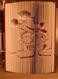 Buchkunst -gefaltet und geschnitten M.Maus von Scherenschwester auf DaWanda.com