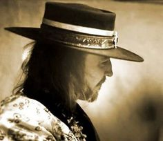 Stevie Ray Vaughan pictures and photos Stevie Ray Vaughan, Eric Clapton, Flamenco Guitar Lessons, Rock Poster, Guitar Tips, Rock Legends, Music Photo, People Photography, Les Paul